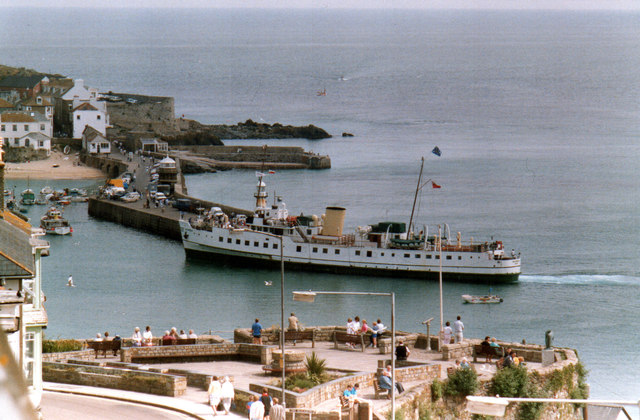 MY Balmoral at St Ives 1989