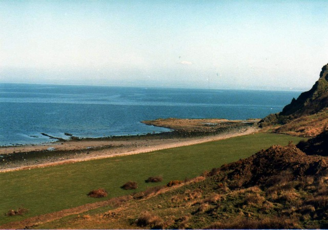 Bracken Bay, Heads of Ayr