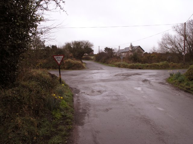 Rural road junction not far from Youghal