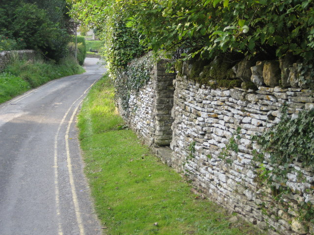 Narrow lane in Bibury