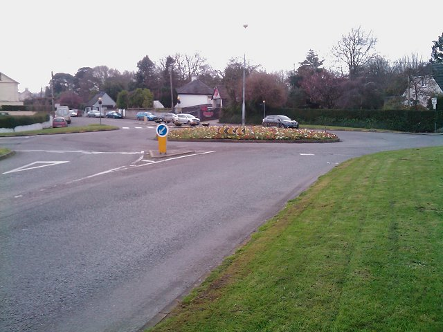 Roundabout on Well Road