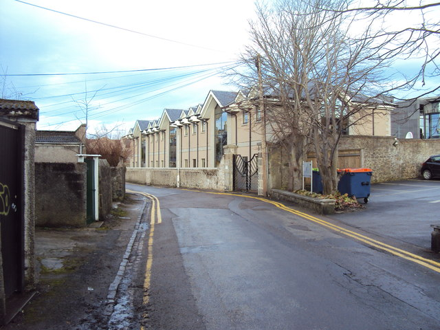 Back Lane flats in Albyn Lane
