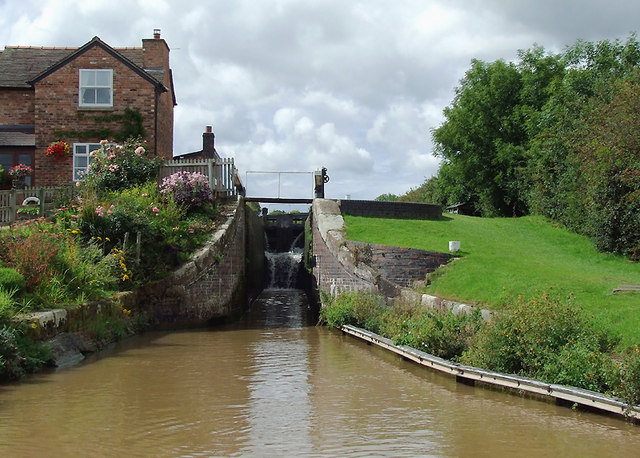 Minshull Lock near Church Minshull, Cheshire