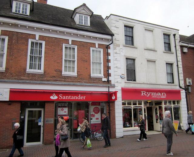Bromsgrove High Street  Santander & Ryman