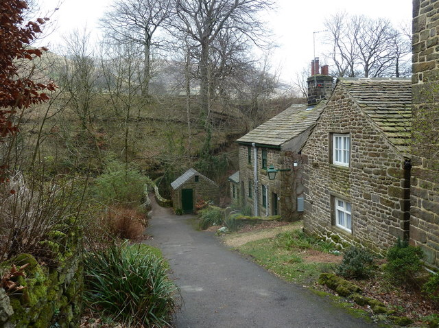 Cottages near the brook in Grindsbrook Booth