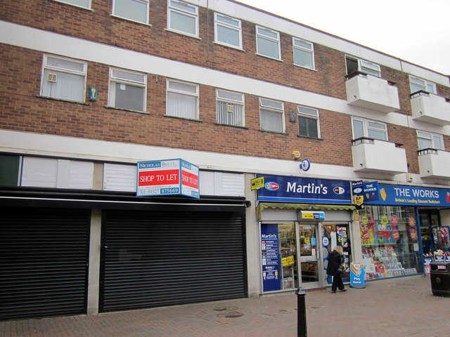 Bromsgrove High Street  Shop to Let, Martins & The Works