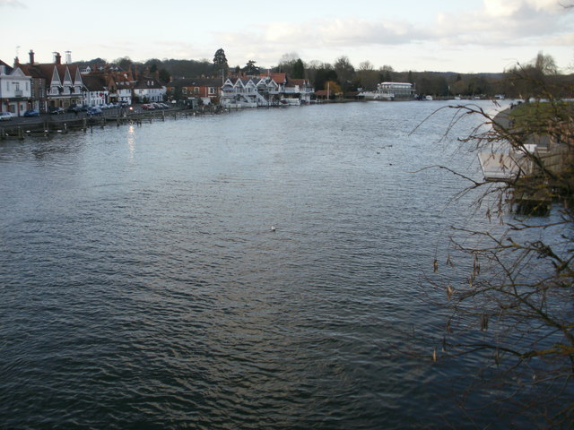 River view from Henley Bridge