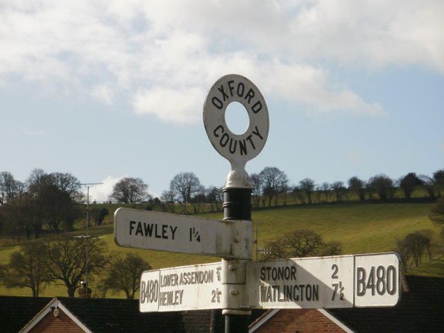 Signposts at Middle Assendon