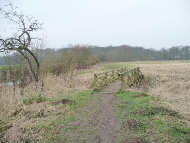 Public footpath to Howsham Lock and Howsham Mill