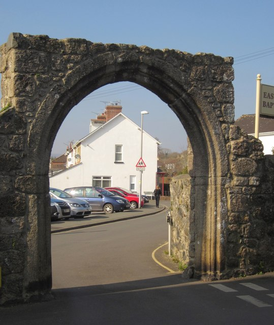 Cromwell's Arch, Bovey Tracey