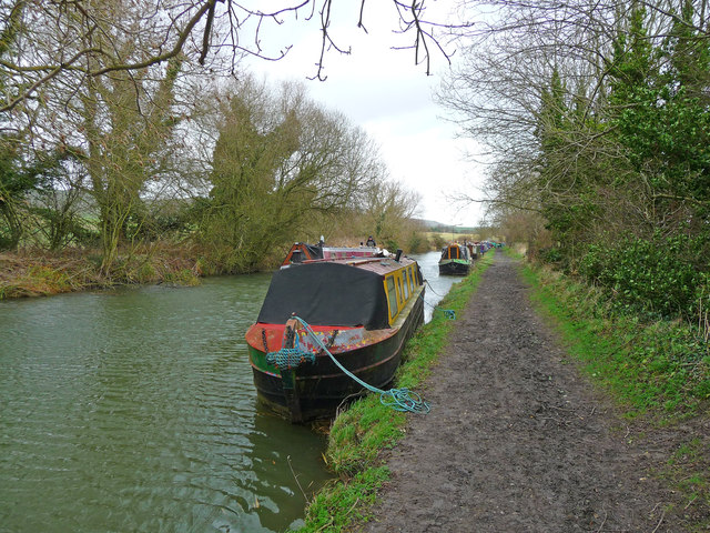 Honeystreet - Kennet And Avon Canal