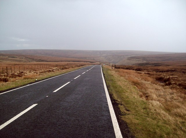Looking East along Snake Pass