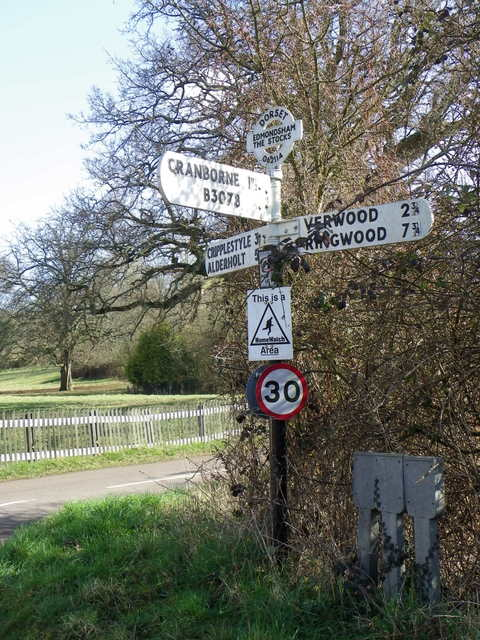Fingerpost, Edmondsham
