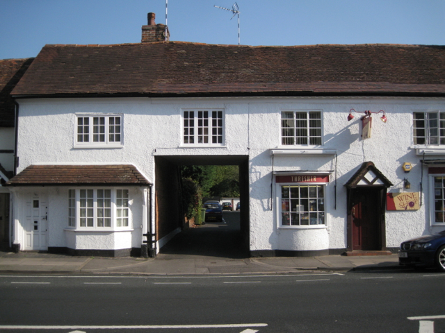 167 High Street, entry and off-licence