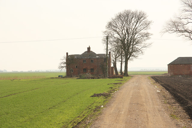 Derelict farm on Potterhanworth Fen