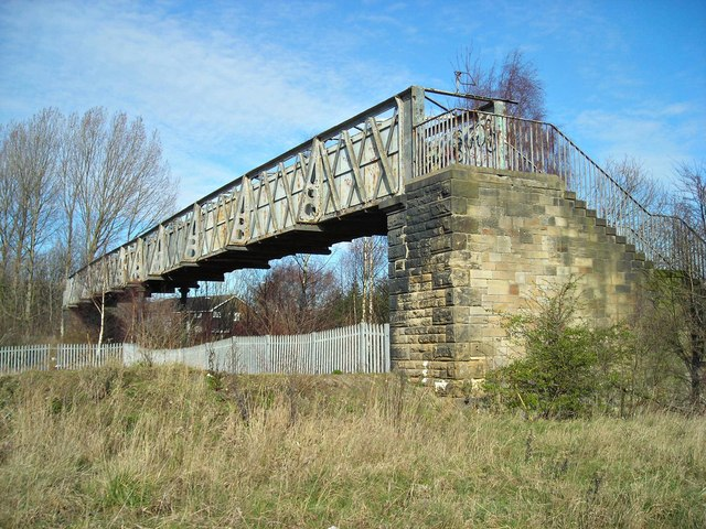 Sturdy footbridge