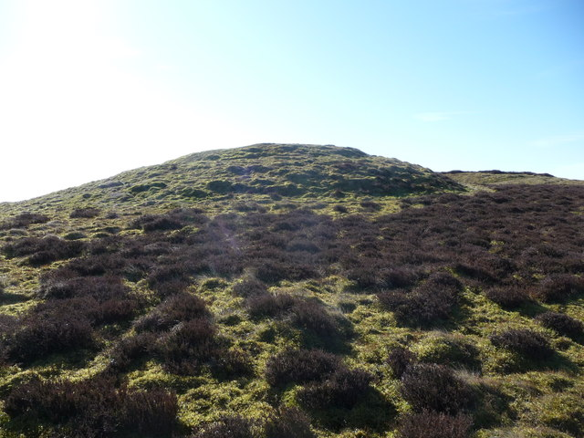 Bronze Age burial mound on Whimble
