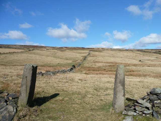 Old gateposts near Goodbent Lodge
