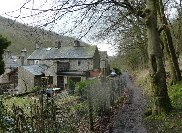 Ravensdale Cottages in Cressbrook Dale