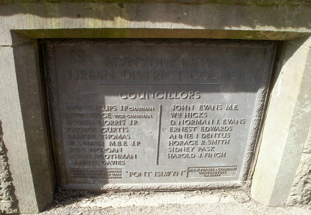 Stone plaque, Pont Islwyn north of Ynysddu