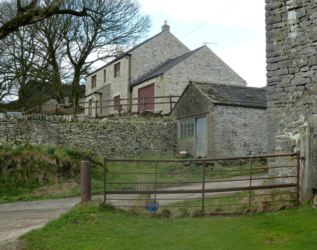 Farmhouse and buildings in Priestcliffe