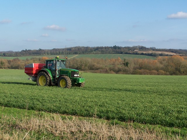 Spreading fertiliser in the Test Valley