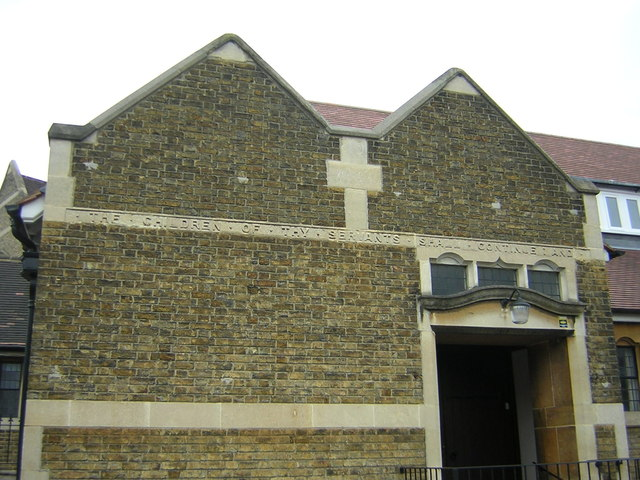 Fairfield Road, Beckenham: writing on Christchurch buildings