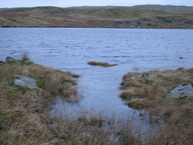 Secondary outflow from Llyn Hir