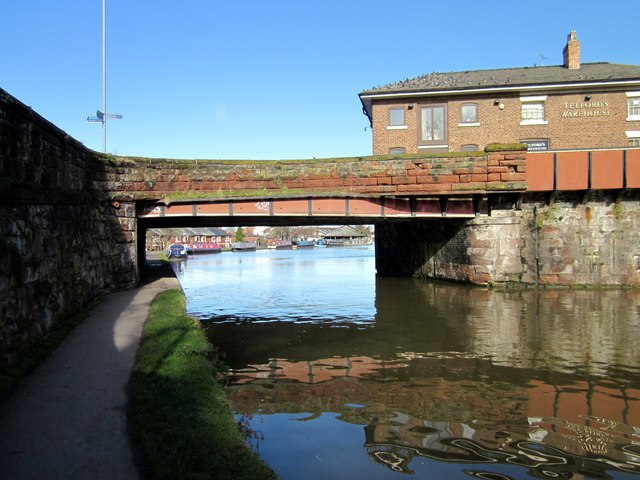 Bridge 123L over the Shropshire Union Canal