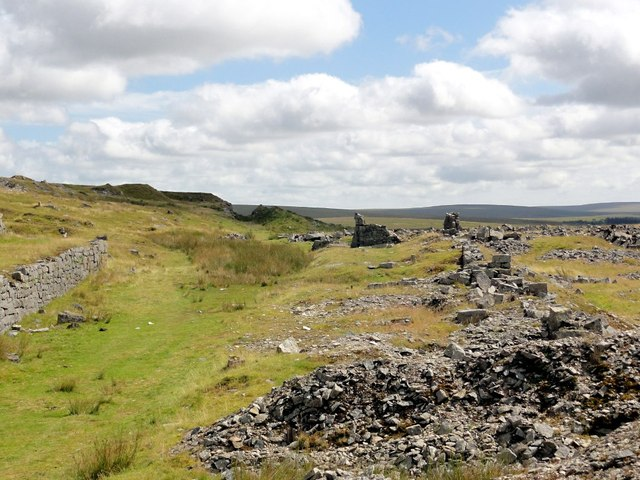 Ruined Buildings at Swelltor Quarries