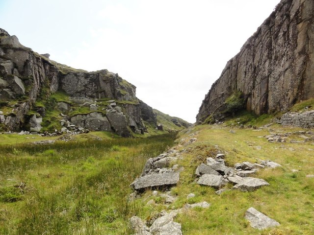 Inside Swelltor Lower Quarry Looking Out