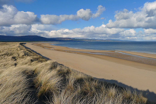 The long sweep of the sand from Embo to Loch Fleet
