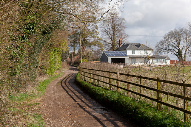 Bridleway on Pondside Lane, approaching Ivy Cottage