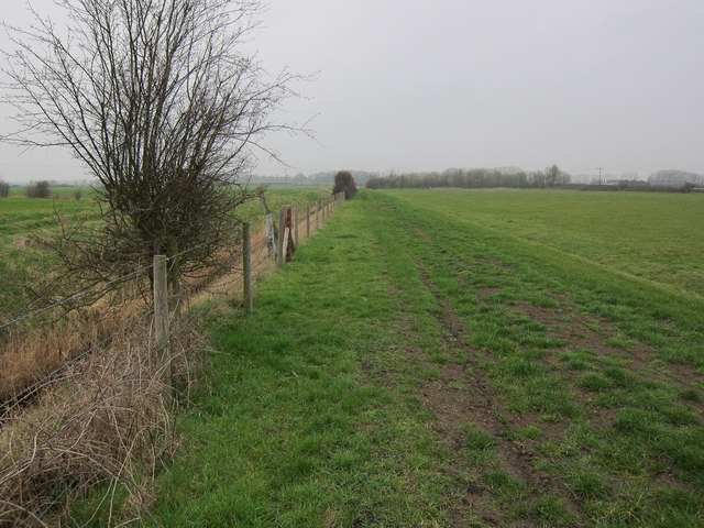 Footpath to Red Hill Farm
