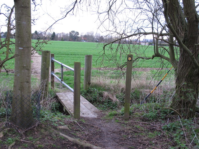 Footbridge at exit from Curry's Copse