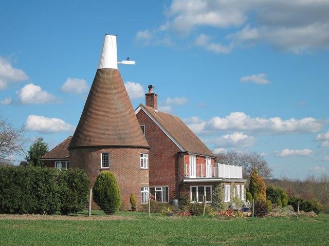 Oast House at Lymden Farmhouse Lymden © Oast House Archive cc by sa 2 0
