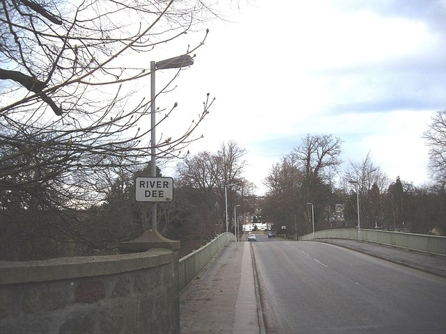 Southern access to Bridge of Dee (B974)