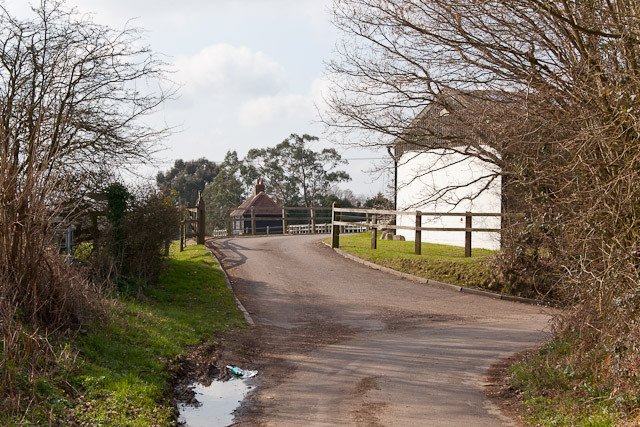 Entrance to Roke Farm