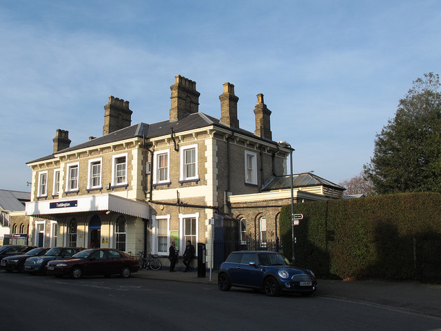 Teddington railway station