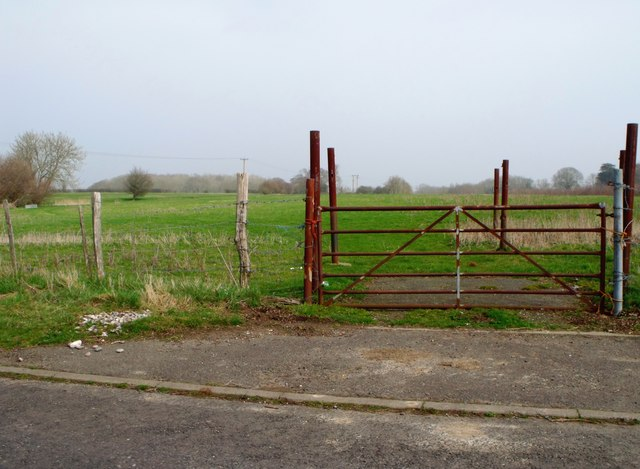 Rusty steel gate, Upper Wellingham