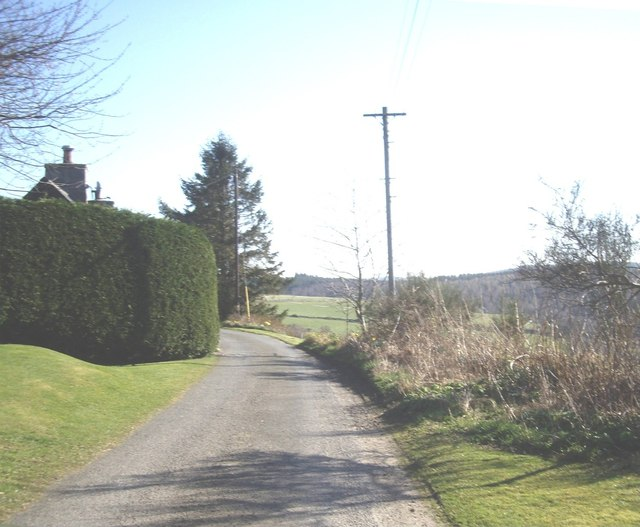 Approach to Upper Comers cottage
