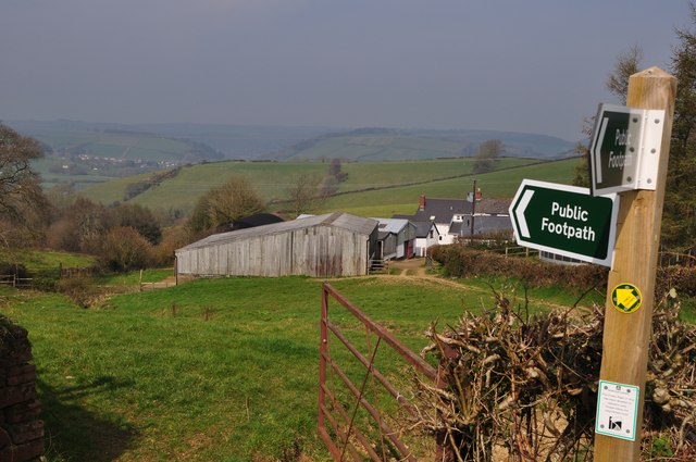 Mid Devon : Public Footpath Sign & Coldharbour Farm