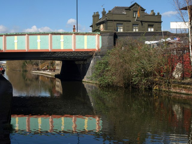 Acton Lane bridge, Grand Union Canal