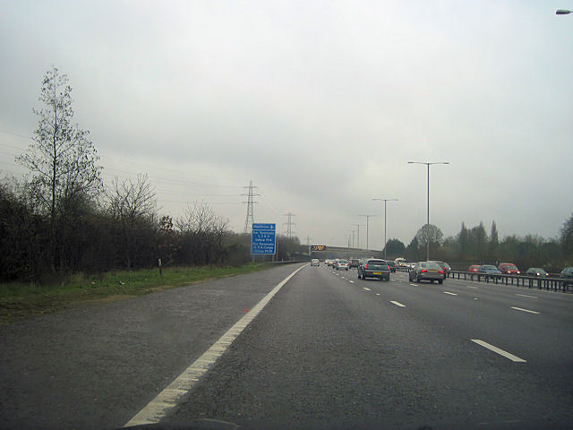 M25 anticlockwise passing Huntsmoor Park