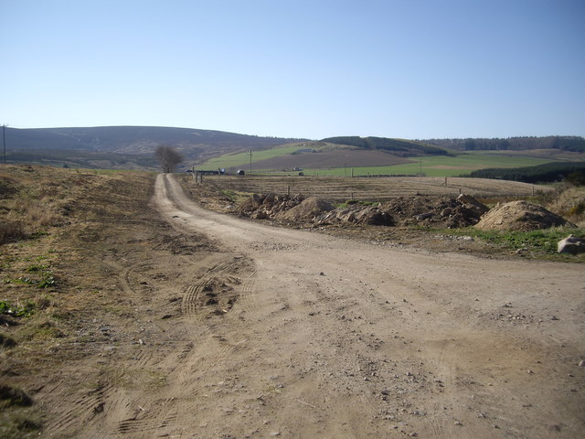 Track to Tillenhilt