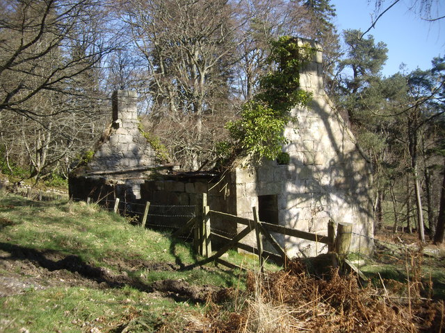 Ruined cottage on the Learney Estate