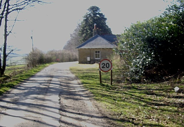 Approach to West Lodge from Learney House