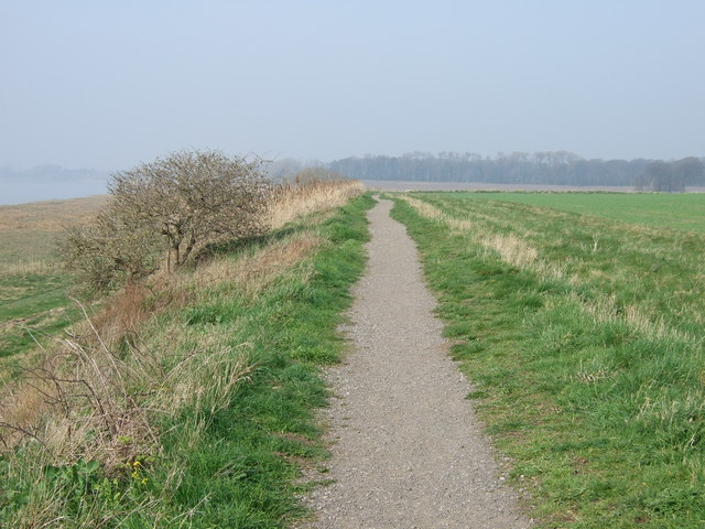 Path along the Mersey
