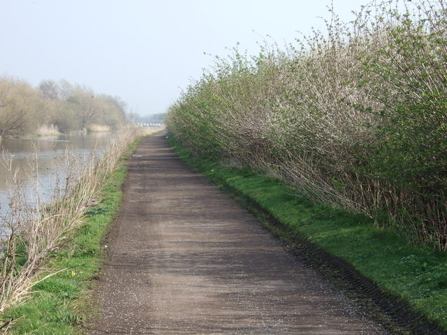 Trans Pennine Trail beside St Helens Canal