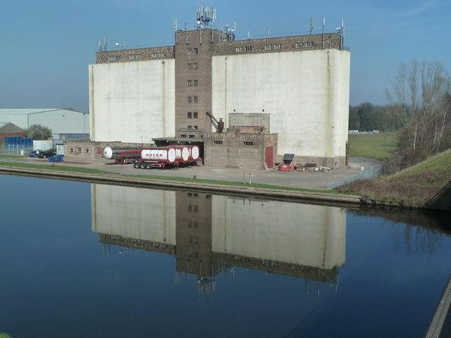 Grain silos at Whitley Bridge